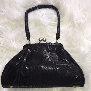 NWOT Adriana Papell Black Faux Snake Print Purse.